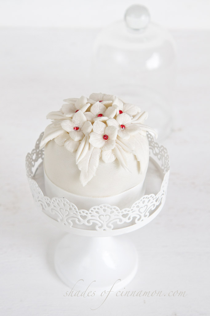 Mini Bride and Groom Cake