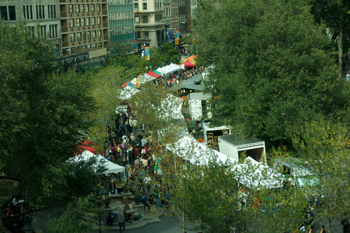Union_Square_Farmers_Market_Viewed_from_Above