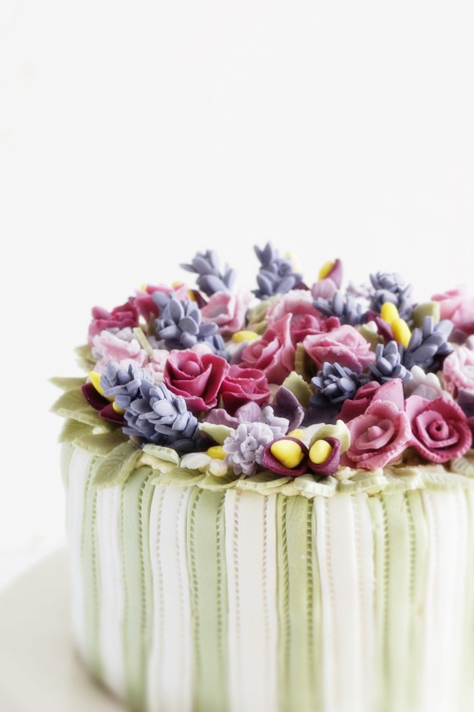 Vintage cake with flowers