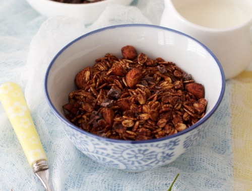 Cacao-granola-with-nuts