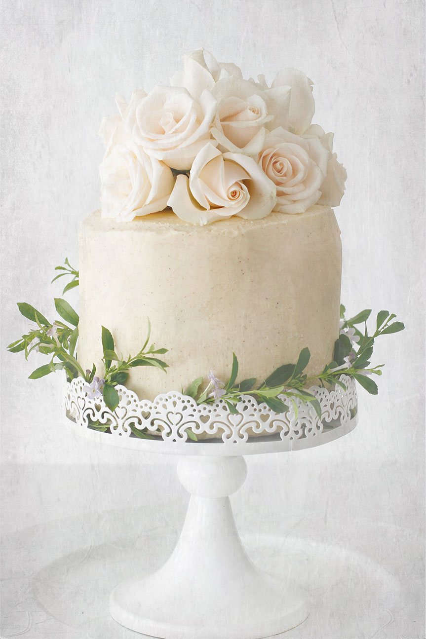 Vanilla bean cake with cinnamon buttercream frosting