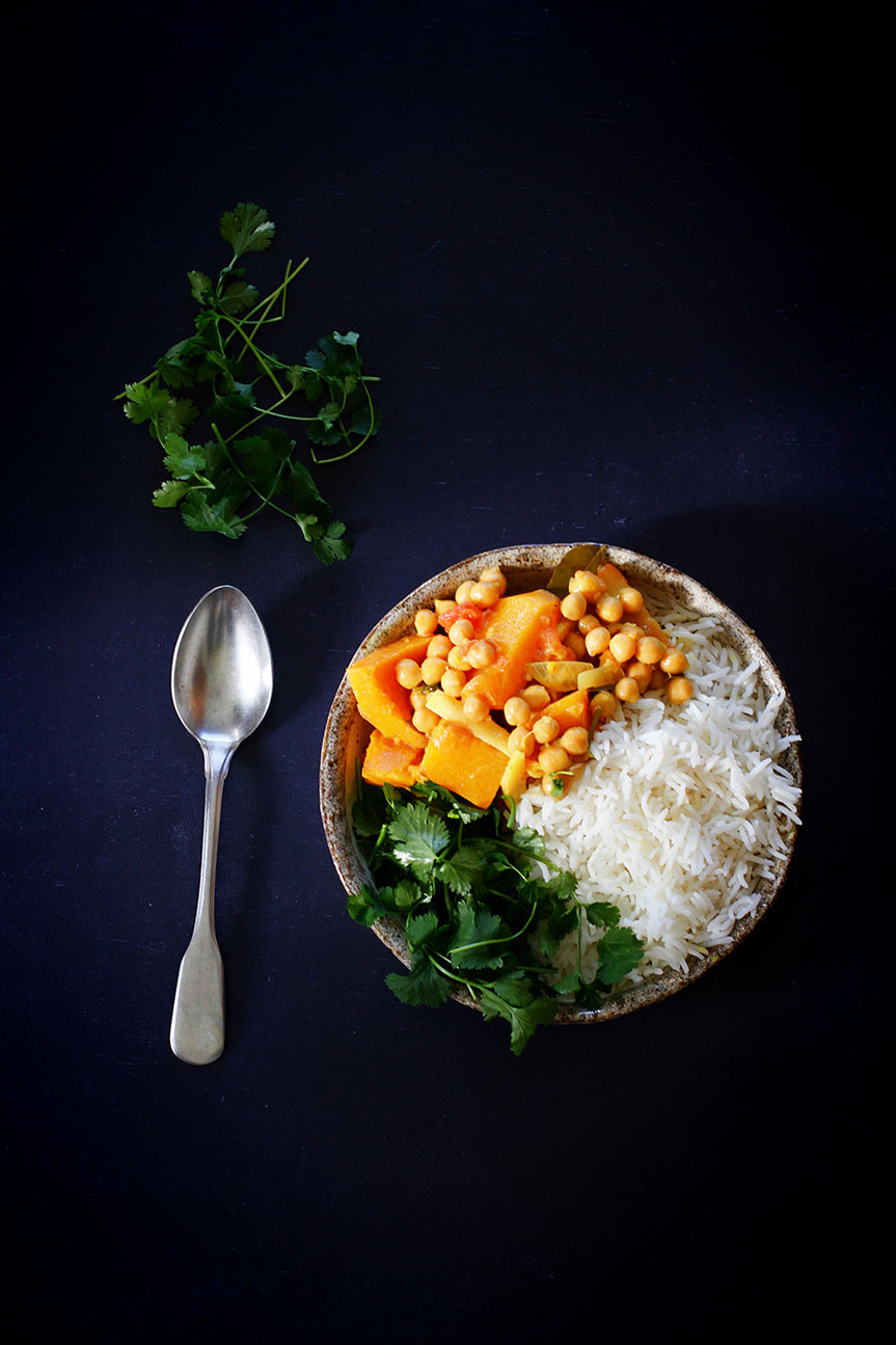 Korma bowl with pumpkin and chickpeas