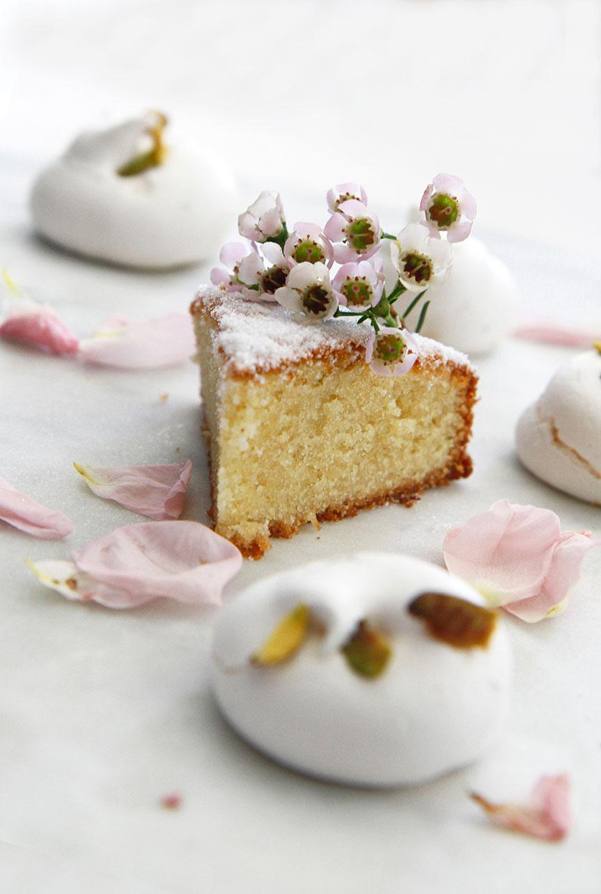 Simple single layer almond cake