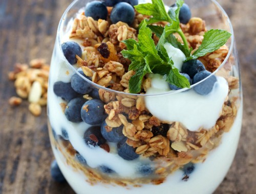 Berry Granola Breakfast