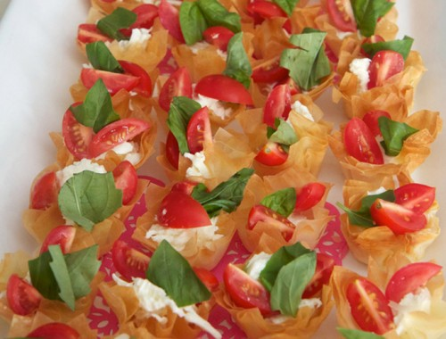 Caprese salad tartles