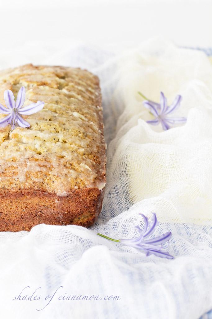 Lemon and Poppyseed drizzle cake