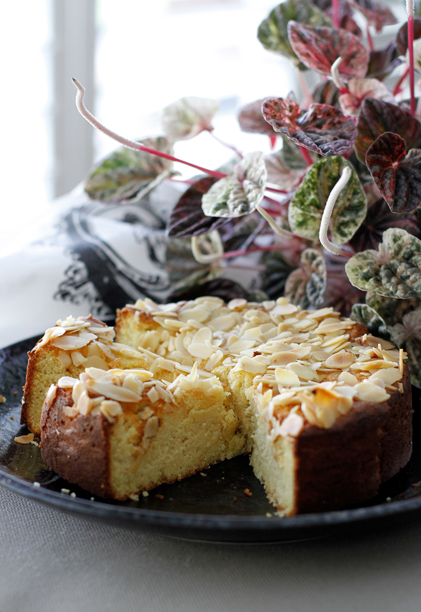 Gluten Free Ricotta Almond Cake